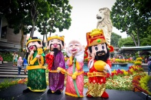 sentosa lunar new year 2016 walkabout characters
